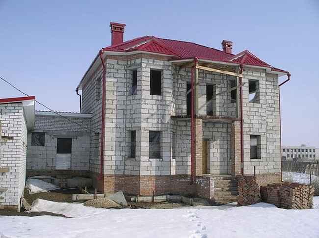 С каждым годом строительство домов земляные (москва московская область), нулевой цикл